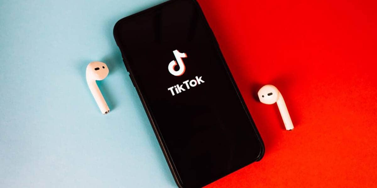 Hacer dúos en TikTok y que se escuche mi voz